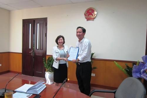 Ngày 7/10/2013, tại trụ sở Bộ Công Thương, Thứ trưởng Hồ Thị Kim Thoa đã trao quyết định Bổ nhiệm Phó Chánh Văn phòng Bộ, Trưởng Đại diện Bộ Công Thương tại Đà Nẵng cho ông Trịnh Xuân Thanh. Tại buổi lễ này, bà Thoa nói:
