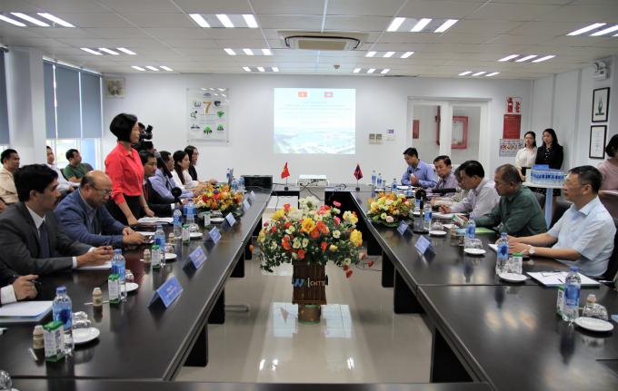 Vinamilk vinh dự đón tiếp đoàn Đại biểu Đảng Nhân dân cách mạng Lào tới thăm và làm việc tại Nhà máy Sữa Việt Nam.