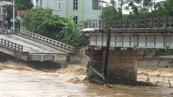 Cầu Thia - nơi phóng viên Đinh Hữu Dư bị nước lũ cuốn trôi.