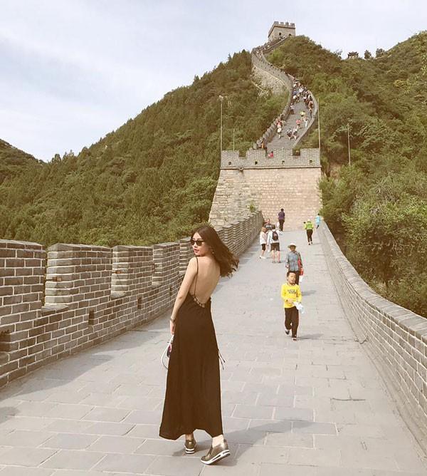"""Tân Hoa hậu Đại dương lên tiếng về """"cuộc sống sang chảnh"""""""