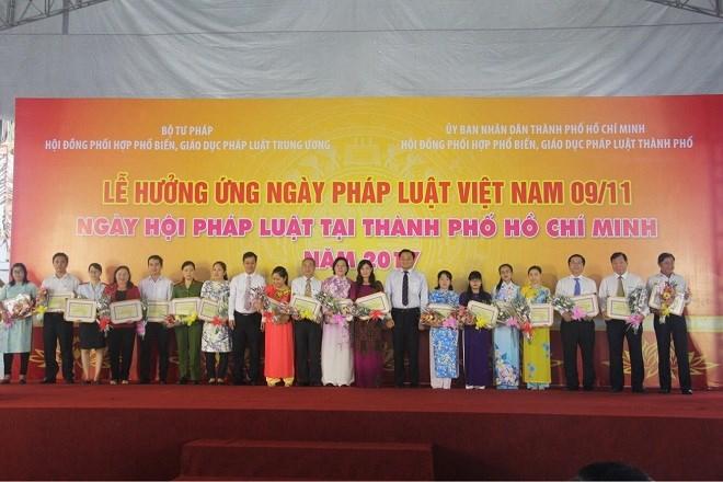 TP HCM: Nhiều mô hình mới, cách làm hay, sáng tạo hưởng ứng Ngày Pháp luật Việt Nam