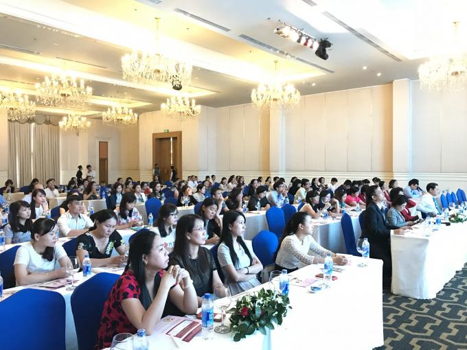 Hội nghị với sự tham gia và tham luận sôi nổi của hơn 150 bác sĩ và nhân viên y tế.