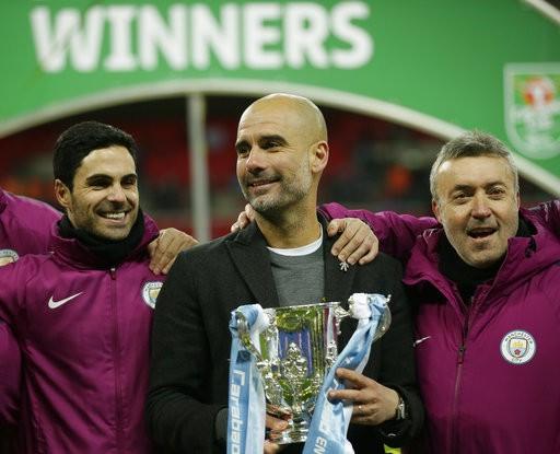 Guardiola có danh hiệu vô địch đầu tiên cùng Man City.