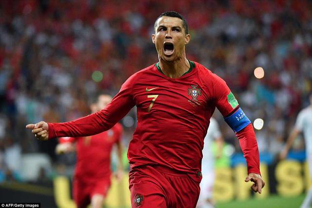 C.Ronaldo thi đấu xuất sắc trước Tây Ban Nha.
