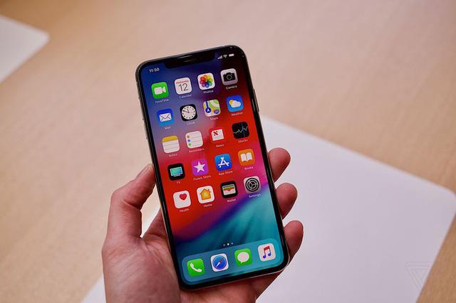 Sản phẩm sở hữu thiết kế bên ngoài giống iPhone X