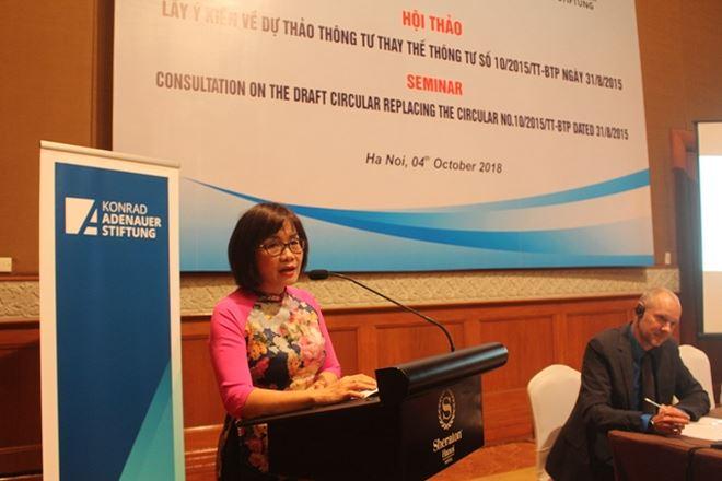 Thứ trưởng Đặng Hoàng Oanh phát biểu tại Hội thảo.