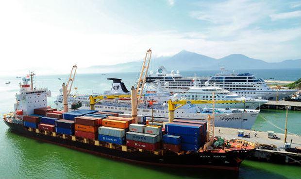 Một góc cảng Tiên Sa - Đà Nẵng