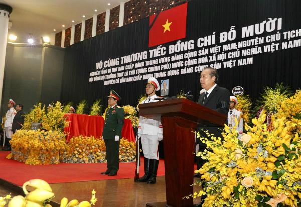 Phó thủ tướng Trương Hoà Bình điều hành lễ truy điệu. (Ảnh Vnexpress)