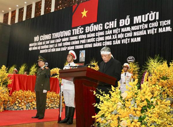 Ông Nguyễn Duy Trung, con trai cố Tổng bí thư nói lời cảm ơn. (Ảnh: Vnexpress)