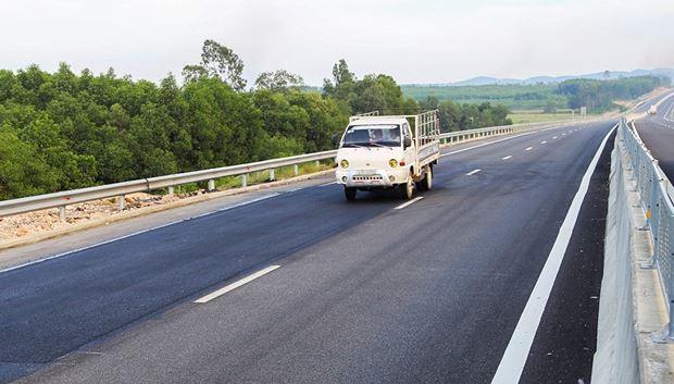 Một đoạn cao tốc sau khi được sửa.