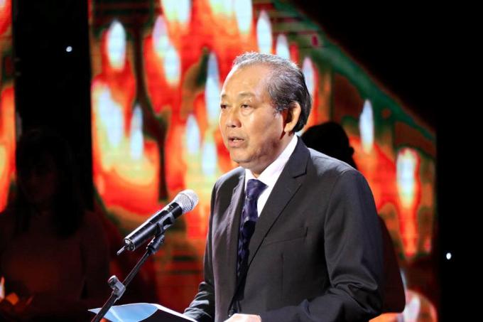 Phó Thủ tướng thường trực Chính phủ, Chủ tịch Ủy ban An toàn giao thông quốc gia Trương Hòa Bình.