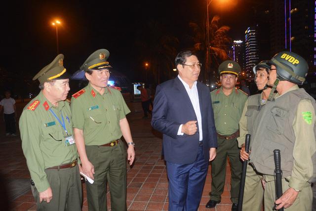 Chủ tịch UBND TP Đà Nẵng cùng lãnh đạo công an TP kiểm tra công tác tổ chức tuần tra phòng, chống tội phạm vào ngày 3/12 vừa qua.