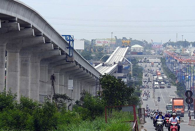 Dự án Metro ở TPHCM đang đội vốn và đói vốn.