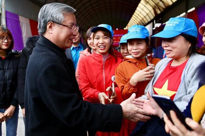Thường trực Ban Bí thư dự 'Tết sum vầy' với công nhân Bắc Giang