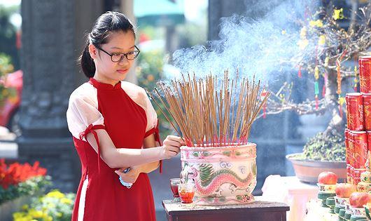 Du lịch tâm linh luôn được người dân và du khách chọn lựa tại Đà Nẵng.