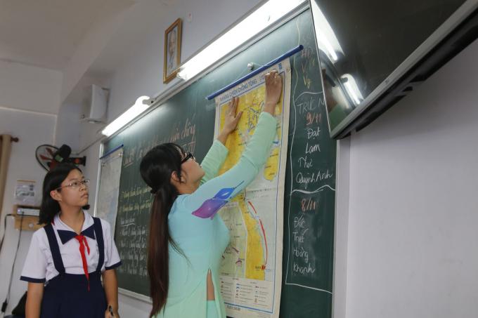 Chương trình giáo dục phổ thông mới, chuyển từ nền giáo dục tiếp cận kiến thức sang tiếp cận phát triển phẩm chất năng lực. (Nguồn: TTXVN)