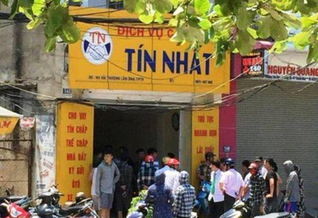 Tiệm cầm đồ Tín Nhất, nơi các đối tượng bắn người bị thương.