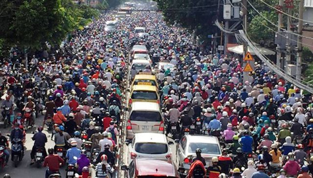Thủ tướng trước đó từng yêu cầu không xây thêm cao ốc ở trung tâm Hà Nội và TPHCM để giải quyết tình trạng