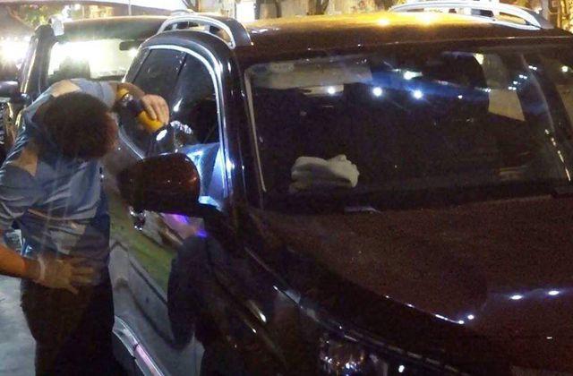 Chiếc ô tô bị trộm đập cửa kính, lấy đi khoảng 600 triêụ đồng để bên trong xe