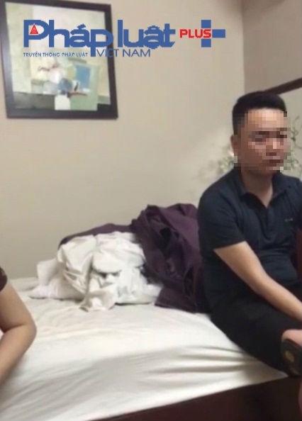 Chị C và Tô Văn H. H. bị ông Ng H. bắt quả tang tại phòng P902 khách sạn Lê Lê hotel.