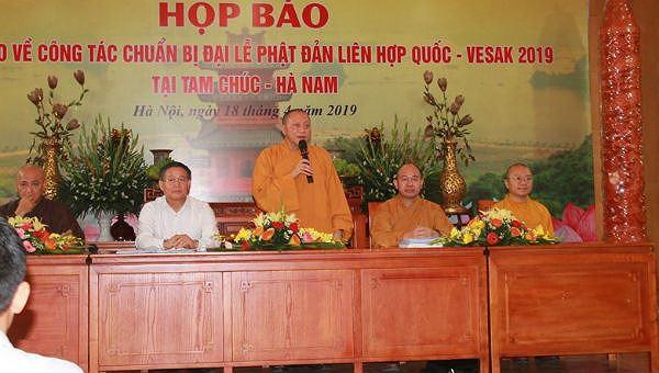 Đại diện Ban tổ chức Đại lễ Vesak 2019 phát biểu tại buổi họp báo.