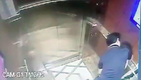Nhờ vào hệ thống camera thang máy, hành vi của ông Linh với cháu bé đã bị phát hiện.