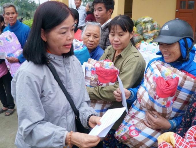 16 - Chua Linh Son cuu tro