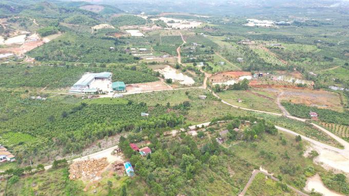 Khu vực Bảo Lâm, Bảo Lộc là nơi hàng trăm bãi khai thác cao lanh đang hoạt động bất chấp những tác động khủng khiếp đến môi trường.