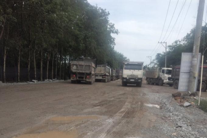 Con đường vào mỏ đá thuộc Công ty Hùng Vương