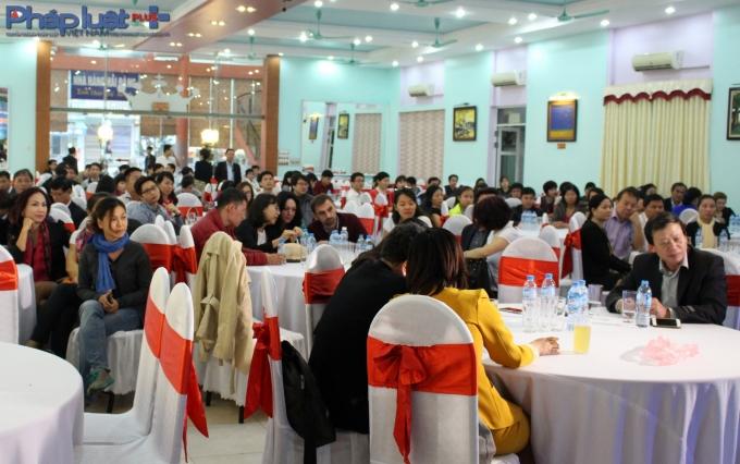 Khách mời đa số là lãnh đạo các doanh nghiệp trong tỉnh Hà Nam.(Ảnh: Đức Biên)