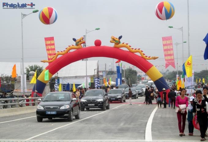Hôm nay, cầu Tân Phong chính thức đi vào hoạt động.