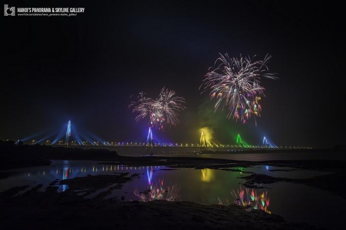 Năm nay,cầu Nhật Tân không là điểm diễn ra bắn pháo hoa của Thủ đô Hà Nội. (Ảnh:Hanoi's Panorama & Skyline Gallery)
