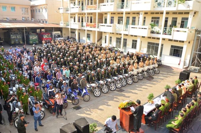 Toàn cảnh buổi lễ ra quân của Công an TPHCM sáng 5/3.