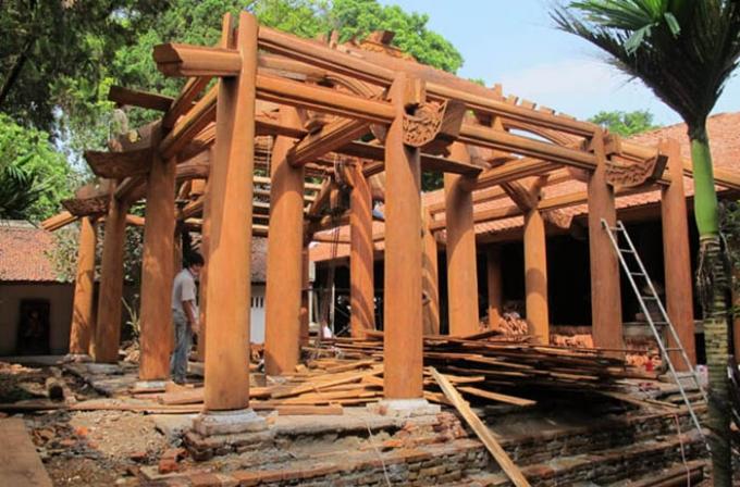 Sai phạm tu bổ ở gác Khánh chùa Trăm Gian. Ảnh: Internet