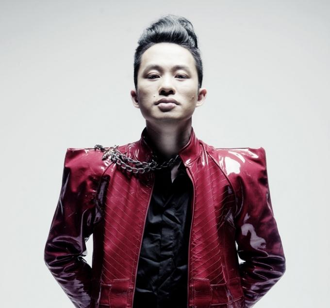 Ca sỹ Tùng Dương được đề cử Chương trình của năm vớiThập kỷ hoan ca. Ảnh: Internet
