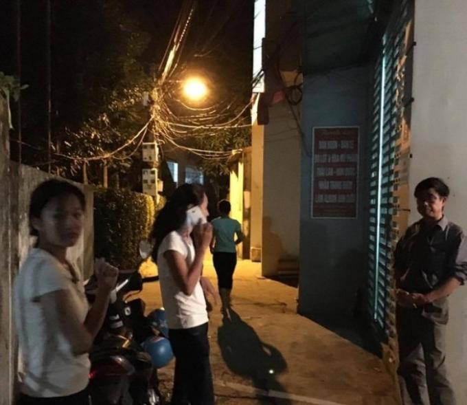 Nữ sinh lớp 11 bị đâm chết ngay trước cửa nhà