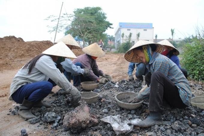 Hình ảnh quen thuộc ven quốc lộ 1A đoạn qua KCN Diễn Hồng, Diễn Châu, Nghệ An(Ảnh Duy Ngợi)