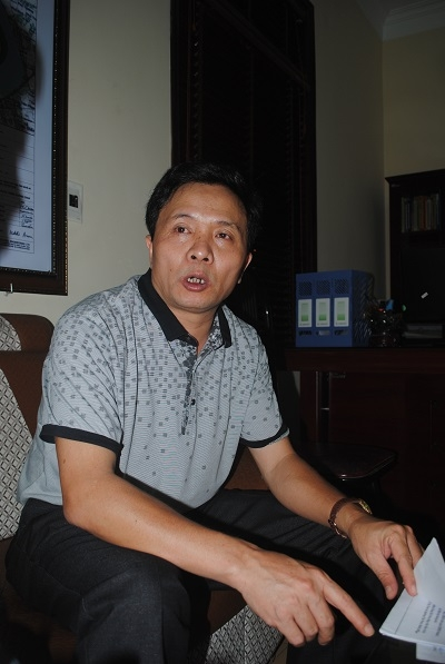 Trưởng ban Quản lý dự án đầu tư xây dựng TP Vinh Trần Xuân Lê phân trần về dự án không thể thực hiện. Ảnh Duy Ngợi