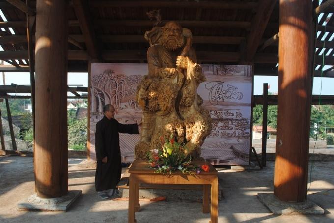 Đại đức Thích Quảng Văn, trụ trì chùa Lam Sơn nói về tượng Phật Bồ Đề Đạt Ma.