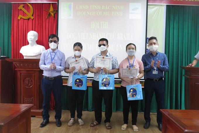 Những thí sinh đoạt giải sẽ đại diện cho tỉnh nhà tham gia Hội thi đọc, viết nhanh chữ Braille do Trung ương Hội người mù Việt Nam tổ chức vào quý III năm 2021.