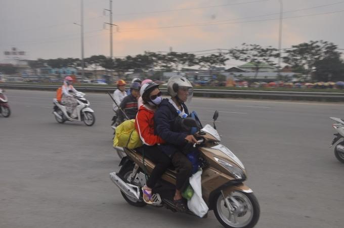 Đường phố Sài Gòn vắng vẻ một cách lạ thường sau kỳ nghỉ Tết kéo dài 3 ngày