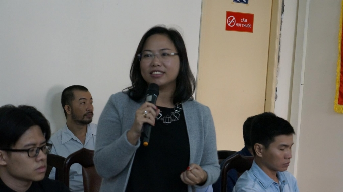 Những người trong Ban điều hành đường sách trình bày tại buổi họp báo.