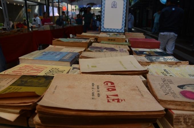 Những cuốn sách cũ quý và hiếm lần đầu phục vụ độc giả.
