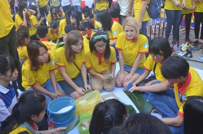 Chường trình Xuân tình nguyện năm nay có sự đổi mới khi thay đổi phương thức, có sự tham gia của sinh viên nước ngoài đang sống và học tập tại Việt Nam.