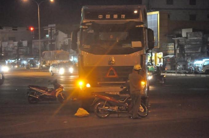 Chiếc xe container gây ra cái chết thương tâm với anh Vinh.