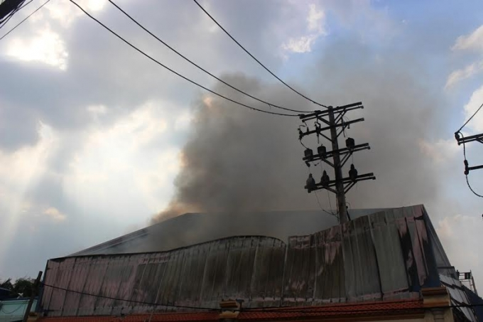 Đến 16h, đám cháy đã được khống chế
