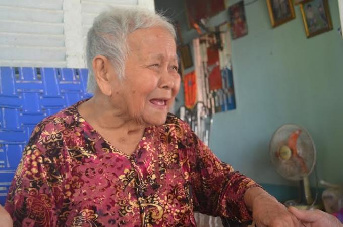 Mẹ Râng nay đã gần 90 nhưng vẫn cười nói, đi lại bình thường.