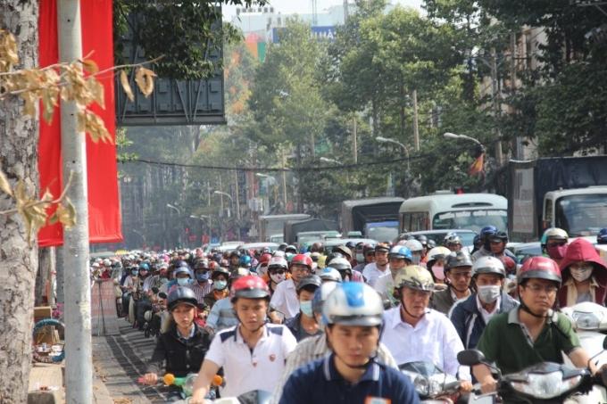 Kẹt xe nghiêm trọng tại đường 3 tháng 2 sáng nay