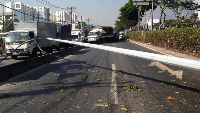 Vụ tai nạn vẫn đang được lực lượng chức năng tích cực giải quyết.