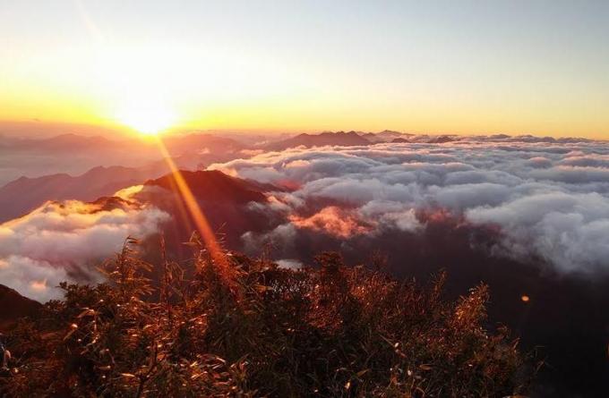 Mây trên đỉnh Fansipan.